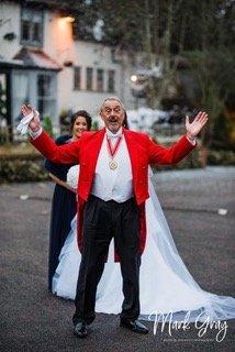 toastmaster helps bride
