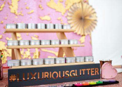 Luxurious glitter bar