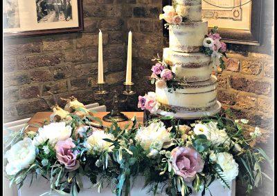 whitstable wedding cake supplier make beautiful wedding cakes