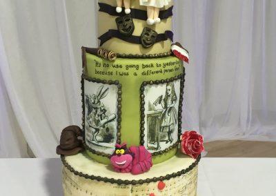 whitstable wedding cake supplier make bespoke wedding cakes
